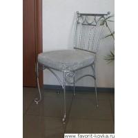 Кованые стулья и пуфики7