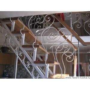 Лестница на металлокаркасе 1