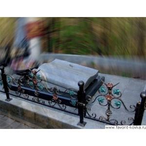 Ограда ритуальная9